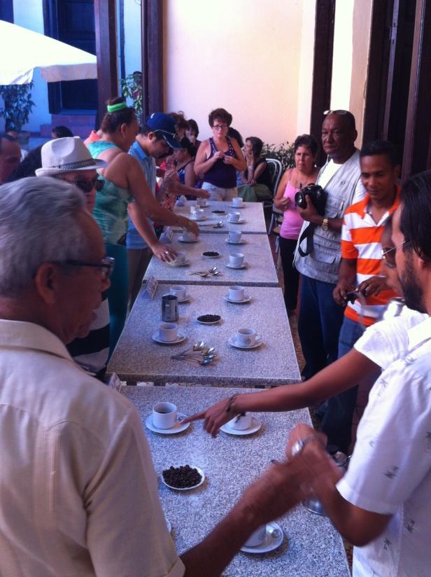 Degustación de café. Foto Edgar Brielo Maranillo.